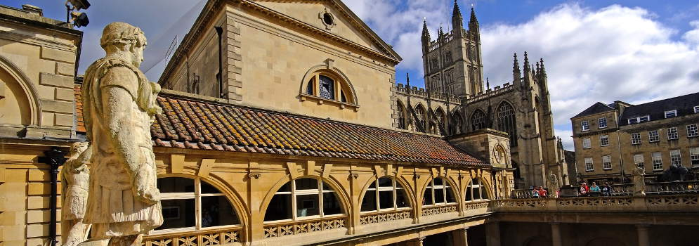 Roman Baths en Bath Abbey in Engeland