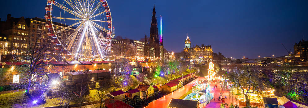 Kerstmarkt in Edinburgh, Schotland